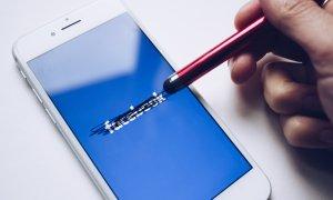 Codul Facebook spart de hackeri: 50 de mil. de conturi expuse