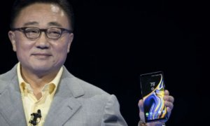 Telefonul pliabil de la Samsung este... o tabletă. Primele imagini