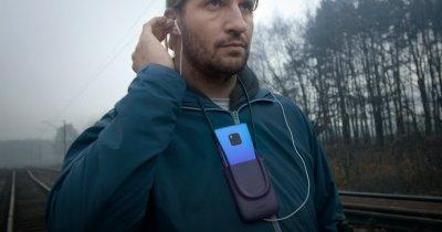 """Cum îi ajută Huawei pe nevăzători să """"vadă"""" reacțiile celor din jur"""