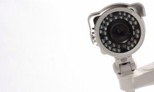 Guardzilla? Nu prea! Hackerii te spionează prin camera de supraveghere