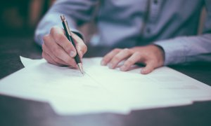 Ghid și documente necesare pentru înregistrarea ca PFA