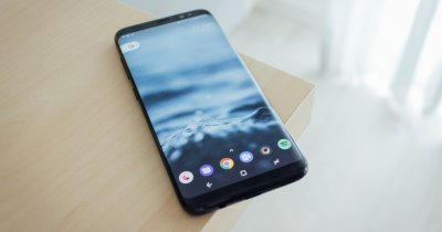 Studiu: Câte smartphone-uri premium se cumpără în lume? Cifrele totale