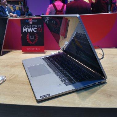 [VIDEO] Lenovo IdeaPad C340 - laptopul oamenilor creativi și la birou
