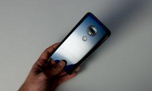 Review Moto G7 Plus: Pentru cei cu bugete mici, dar așteptări mari