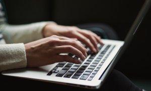 Românii, terorizați de Scranos: fură date bancare și atacă Facebook-ul