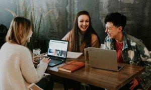 Cum Millennialii influențează investițiile în IT din ecommerce