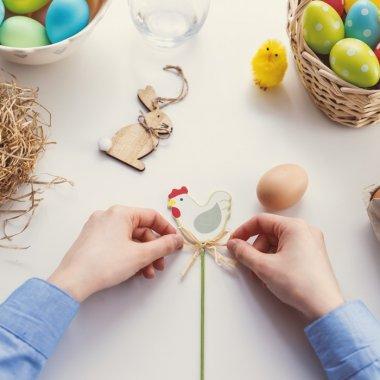 Cadouri de Paște: ce-și cumpără românii de la eMAG