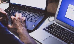 Hackerii nu iau concediu: miliarde de amenințări cyber în fiecare an