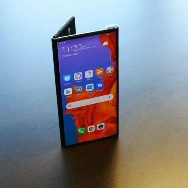 Preview Huawei Mate X: am descoperit viitorul smartphone-urilor