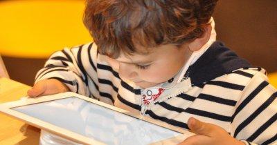 Orange te învață despre riscurile la care sunt expuși copiii în online