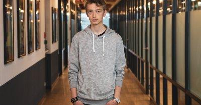 A refuzat joburi la giganții IT din SUA pentru a educa tinerii români