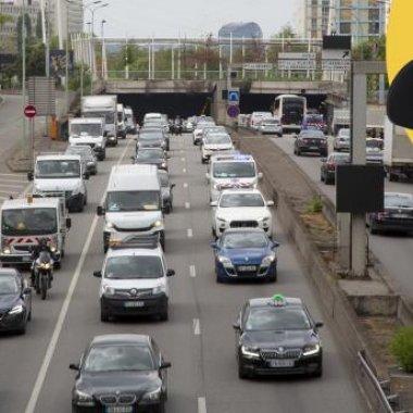 Camera care-ți recunoaște numărul mașinii când gonești pe șosea