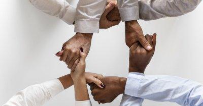 Cum să organizezi un team building care îți va consolida echipa