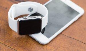Stock Busters: reduceri la smartwatch-uri Samsung, Apple Watch, Xiaomi