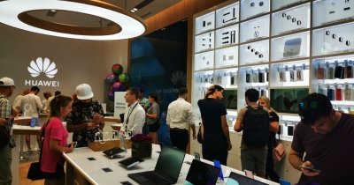 Huawei a deschis în România un magazin pe modelul Apple