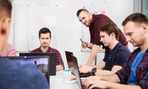 Cursurile de programare care instruiesc în România 1.000 de developeri
