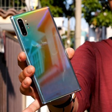 REVIEW Samsung Galaxy Note 10 Plus: spectaculos doar prin design?