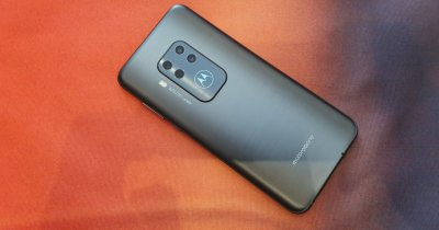 Motorola One Zoom, telefonul cu patru camere și design interesant