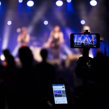 Facebook lansează noi opțiuni pentru creatorii de conținut video