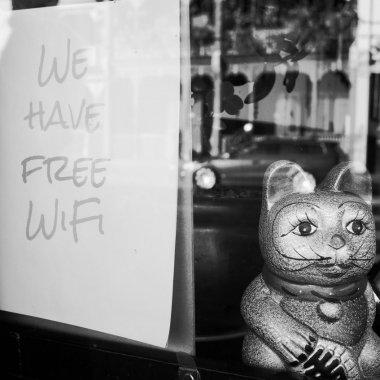 Vouchere de 15.000 euro pentru Wi-Fi în spații publice din România