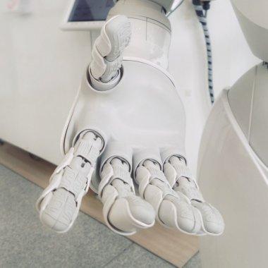 Roboții colaborativi vin să-ți spună de ce să nu te temi de ei