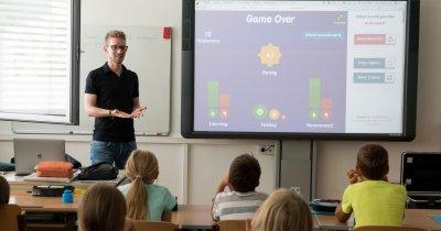 Ce tehnologie le pune școala la dispoziție profesorilor și copiilor