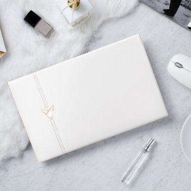 ASUS a prezentat laptopul cu o carcasă din piele și aur roz