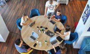 Commons Accel: primele startup-uri care intră în accelerator