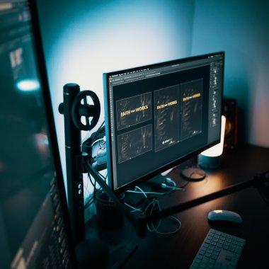 Reduceri eMAG: monitoare de PC excelente pentru muncă sau gaming