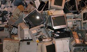 Noi obligații pentru producătorii de echipamente electrice&electronice