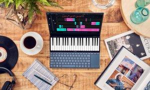 Laptopul Asus ZenBook Duo cu două ecrane, disponibil în România