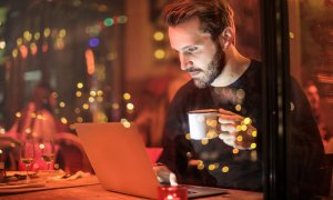 eMAG - ce laptopuri și PC-uri sunt la ofertă de Black Friday 2019