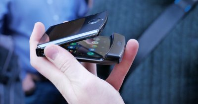 Motorola Razr: Un pas bun spre flexibilitate la un preț inflexibil