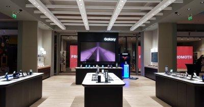 Samsung lansează Galaxy Fold în România. Cât costă telefonul pliabil