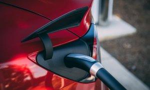 Studiu: vrem mașini electrice, dar nu și autonome