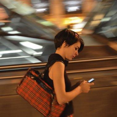 ING Bank devine 100% disponibilă pe smartphone