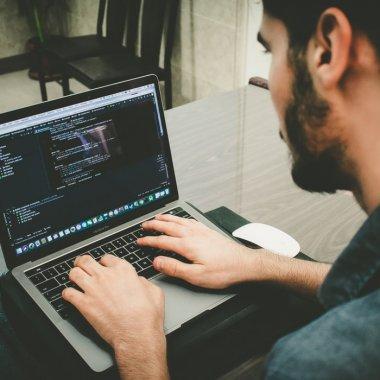 Jiratech își oferă expertiza startup-urilor care au nevoie de un CTO de împrumut