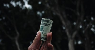 TransferGo: 80% dintre români au transferat bani de pe telefonul mobil