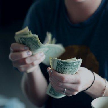 Salariul minim la nivel european – ce spun antreprenorii români