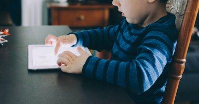 Telekom: internet 4G gratuit tot anul pentru școli pe o platformă educațională