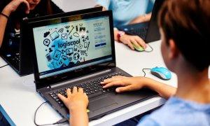 Coronavirus   Logiscool mută cursurile de programare online