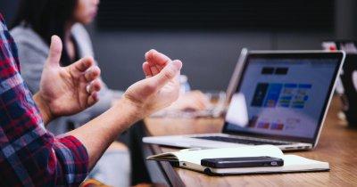 Sfaturile unui negociator pentru antreprenori: cash-ul vă ajută să negociați