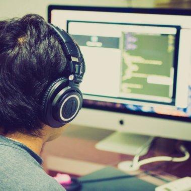 Bittnet lansează site de ecommerce: cumperi licențe, software și hardware