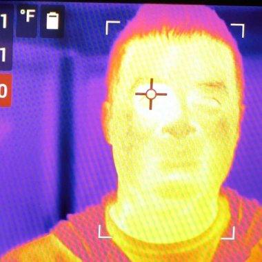 Companiile si spitalele investesc în camere pentru masurarea temperaturii