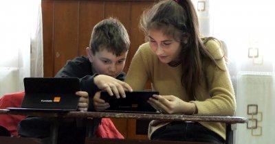 Coronavirus | Fundația Orange oferă 1.500 de tablete elevilor defavorizați