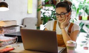 Coronavirus | Aproape 50% din companii vor să facă munca de acasă permanentă