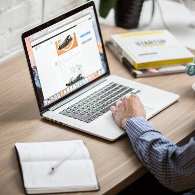 start-up.ro îți oferă 20 de licențe gratuite ca să ai un site pentru afacerea ta