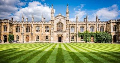 Educație online tot anul: Cambridge mută cursurile pe internet până în 2021