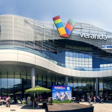 Veranda Mall, primul mall din România care-și face magazin online propriu