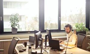 Coronavirus | Piața de outsourcing și call center crește chiar și de acasă